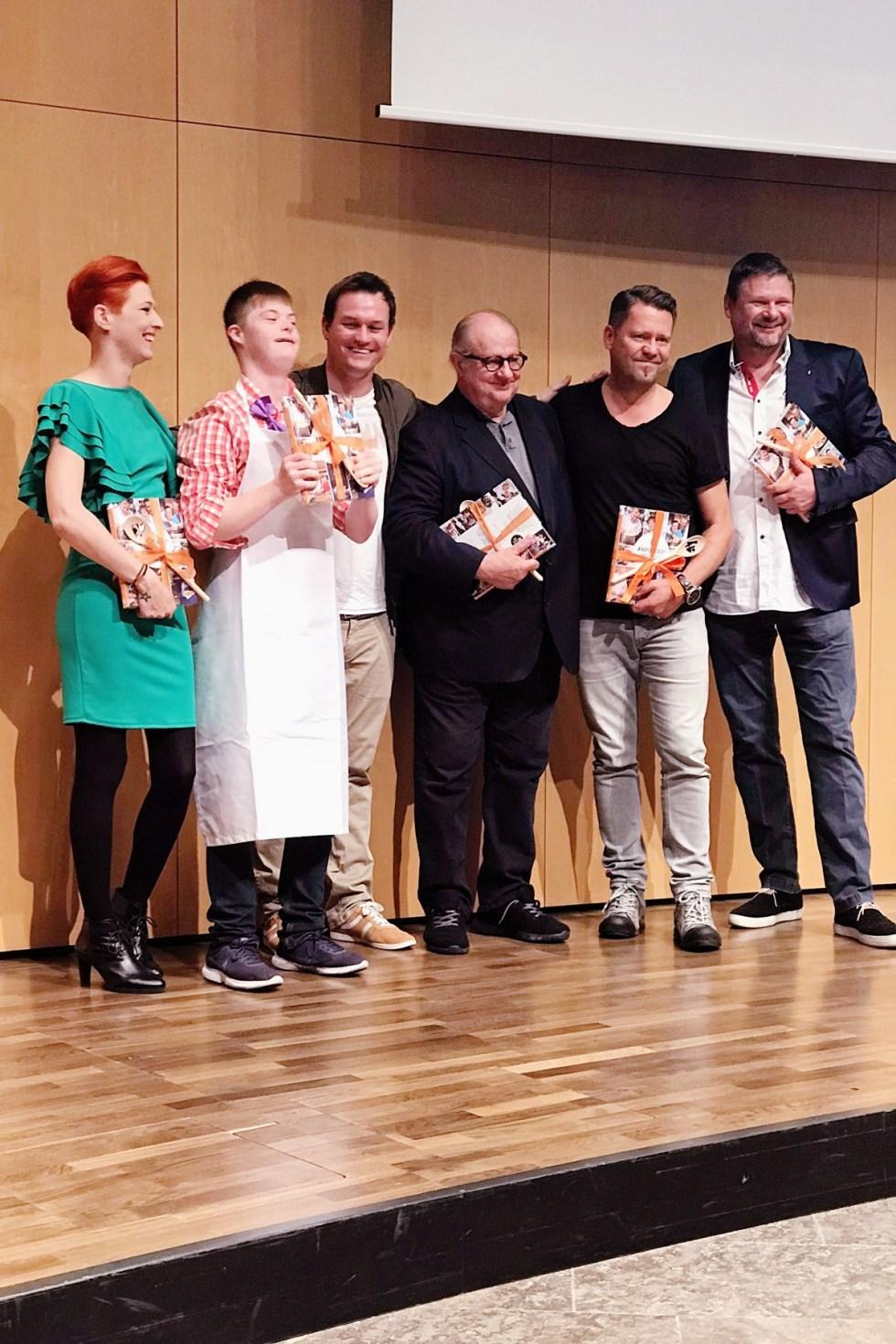 Meta Hiltebrand und Kollegen on Stage